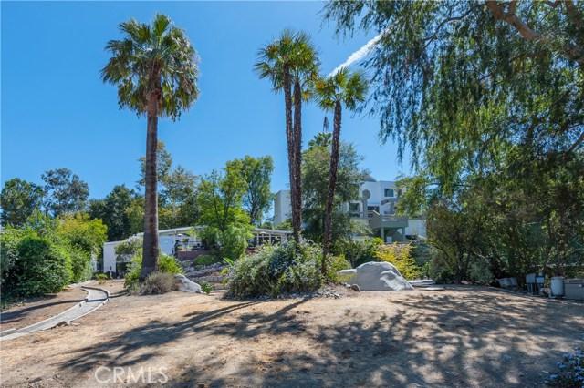 22133 Mulholland Drive, Woodland Hills CA: http://media.crmls.org/mediascn/567a2e0b-6d35-4dd7-83f5-ad2af4fdc8fe.jpg
