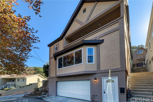 Detail Gallery Image 1 of 30 For 7116 Highcliff, Tujunga,  CA 91042 - 3 Beds | 2 Baths