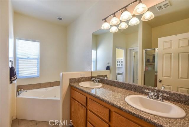 44142 Westridge Drive, Lancaster CA: http://media.crmls.org/mediascn/5690352e-46d2-4d9e-8288-f80297a905fd.jpg