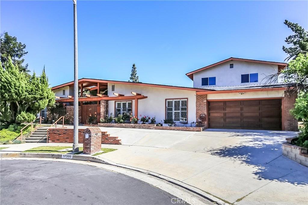 17300 Halsted Street, Northridge, CA 91325
