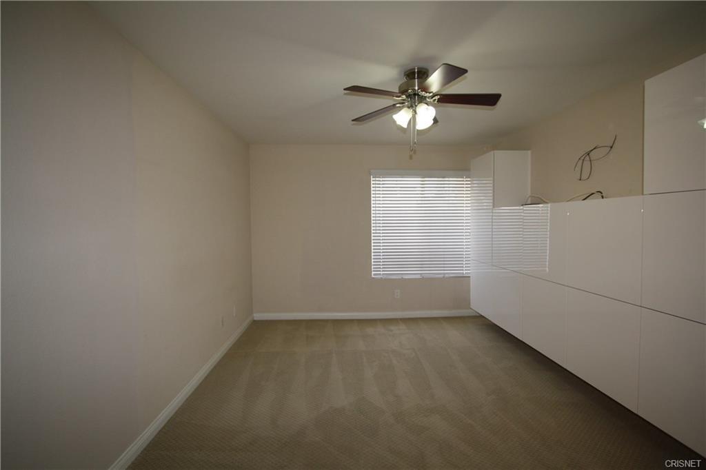 5545 Canoga Avenue, Woodland Hills CA: http://media.crmls.org/mediascn/56c74514-57f5-405e-8e92-34d431937d0c.jpg