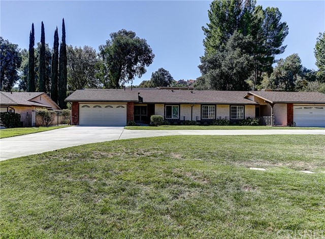 19550 Avenue Of The Oaks, Newhall CA 91321