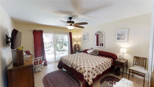 9732 Sari Place, Northridge CA: http://media.crmls.org/mediascn/574880d1-d384-48e7-b0f5-7d6618ff4771.jpg