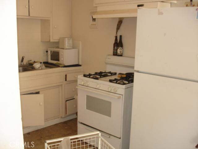 14642 Calvert Street, Van Nuys CA: http://media.crmls.org/mediascn/57665d7f-fd1e-483a-bb20-366cd45e4c69.jpg