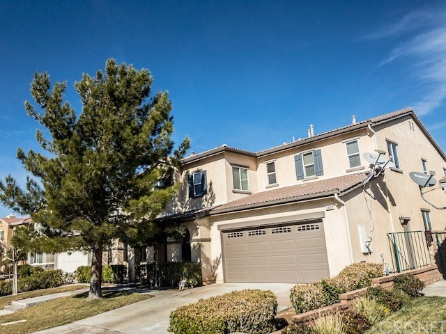 2029 Tangerine Street, Palmdale CA: http://media.crmls.org/mediascn/5780465e-6f70-460d-ace9-21004ddef103.jpg