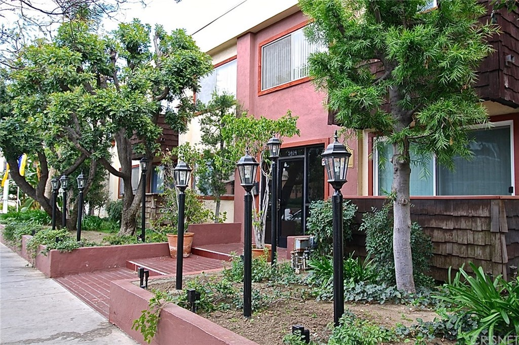 Photo of 5414 NEWCASTLE AVENUE #51, Encino, CA 91316