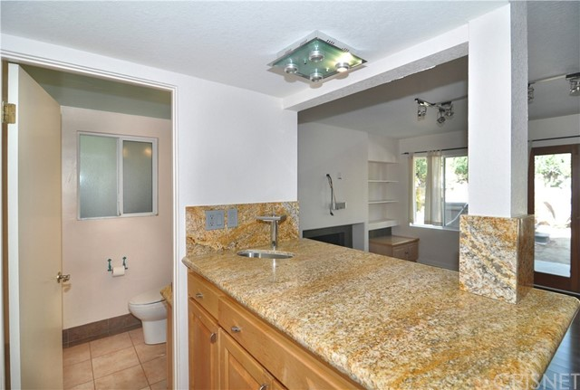 703 San Doval Place, Thousand Oaks CA: http://media.crmls.org/mediascn/57b9f510-cef3-4e82-ba4b-30302ce12b4d.jpg