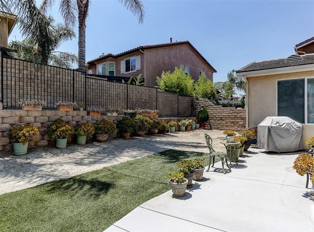 19820 Ellis Henry Court Newhall, CA 91321 - MLS #: SR17162763
