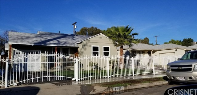 Single Family Home for Sale at 7951 Norwich Avenue Panorama City, California 91402 United States