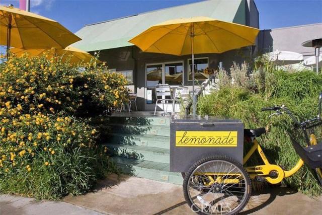 12045 Guerin Street, Studio City CA: http://media.crmls.org/mediascn/590b71ce-115c-4a33-93ab-140b69aa5cf4.jpg