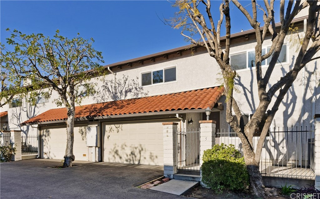 Photo of 5275 COLODNY DRIVE #5, Agoura Hills, CA 91301