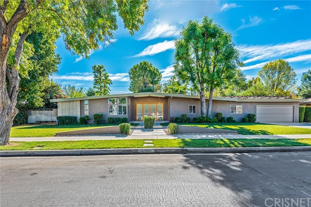 Photo of 22526 Friar Street, Woodland Hills, CA 91367