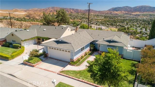 19602 Aldbury Street, Canyon Country CA: http://media.crmls.org/mediascn/59498f29-0d1b-4bd3-9ca9-3254c440ed60.jpg