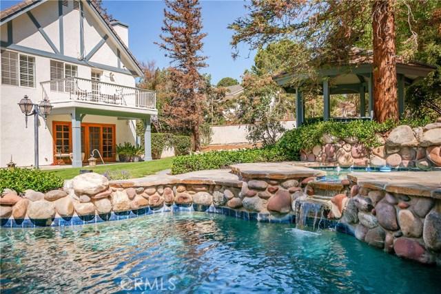 11900 Andasol Avenue, Granada Hills CA: http://media.crmls.org/mediascn/595e3140-23ab-477c-88db-092671abc1b1.jpg