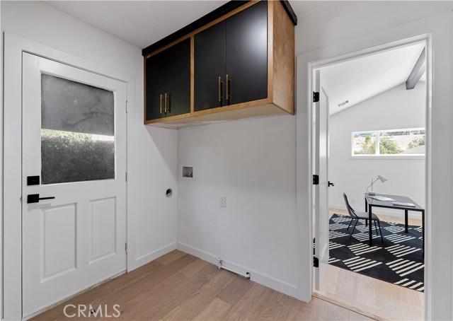 13211 Cumpston Street, Sherman Oaks CA: http://media.crmls.org/mediascn/5979ed74-2ba4-4270-8465-23cd0daf782c.jpg