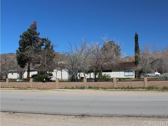 Single Family Home for Sale at 3585 Backus Road Mojave, California 93501 United States