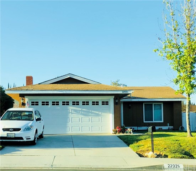 22925 Pamplico Drive, Valencia CA 91354