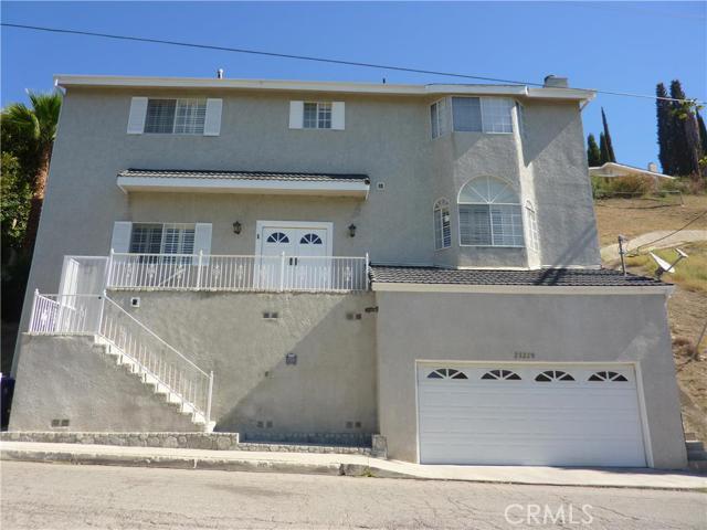 23220 Cass Avenue, Woodland Hills CA 91364