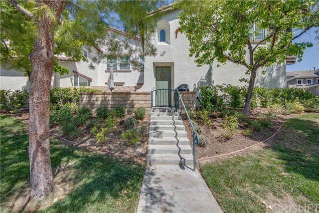 Detail Gallery Image 1 of 29 For 27477 Coldwater Dr, Valencia,  CA 91354 - 2 Beds | 2 Baths