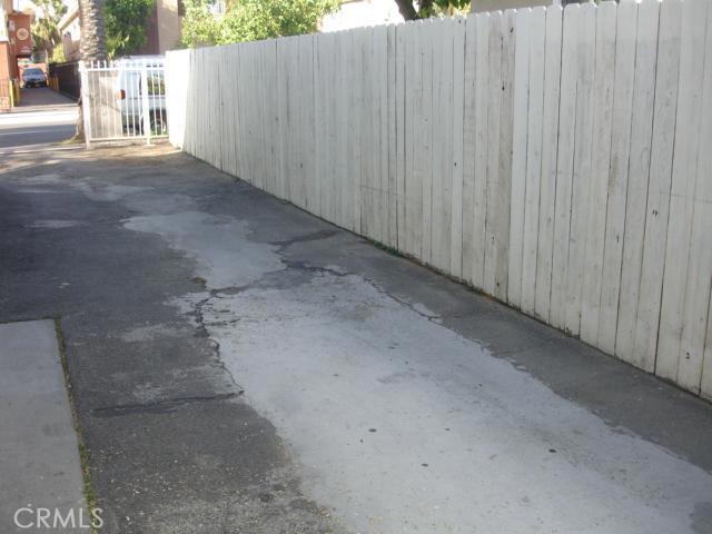 14642 Calvert Street, Van Nuys CA: http://media.crmls.org/mediascn/59c59695-2519-4795-b069-1bc2f4d32abd.jpg