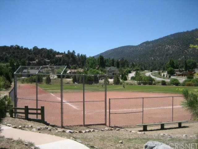16401 Grizzly, Pine Mtn Club CA: http://media.crmls.org/mediascn/59e27447-ddc1-4a88-8c2b-a0a2b1680b4f.jpg