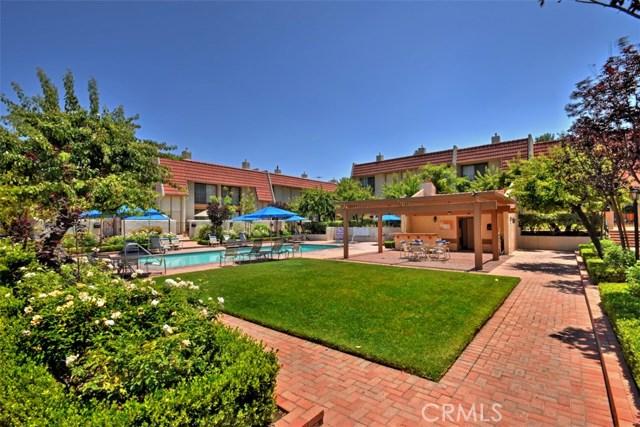 6221 1/2 Nita Avenue, Woodland Hills CA: http://media.crmls.org/mediascn/5a4a85c7-a6dc-482a-a816-50eb9beb03dd.jpg