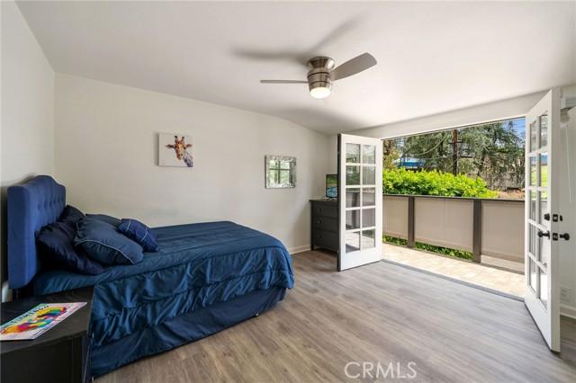20324 Reaza Place, Woodland Hills CA: http://media.crmls.org/mediascn/5a622024-dfad-4d85-a86f-00c7e056fb30.jpg