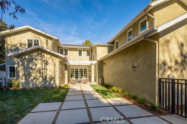 4200 Mesa Vista Drive, La Canada Flintridge CA: http://media.crmls.org/mediascn/5a70c585-c285-4b16-9e69-6a2fc981af1a.jpg