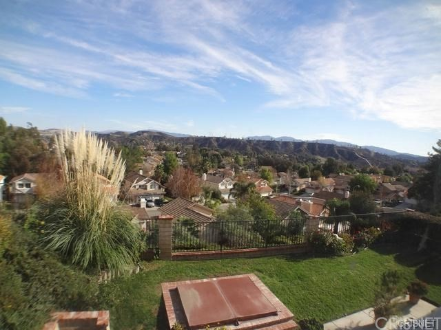 Additional photo for property listing at 22215 Pamplico Drive  Saugus, 加利福尼亚州 91350 美国