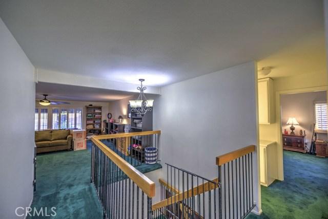 14947 Index Street, Mission Hills (San Fernando) CA: http://media.crmls.org/mediascn/5a7e7592-a5a5-449f-9c4b-0db4f830d7ab.jpg