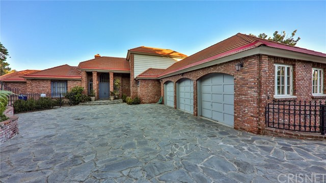 Photo of 16281 Dorilee Lane, Encino, CA 91436