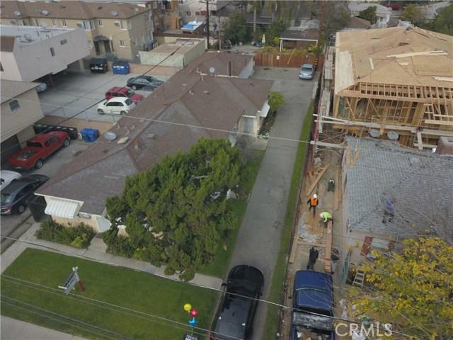 11345 Hatteras Street, North Hollywood CA: http://media.crmls.org/mediascn/5af5baeb-b112-449c-b138-b9caa4086424.jpg