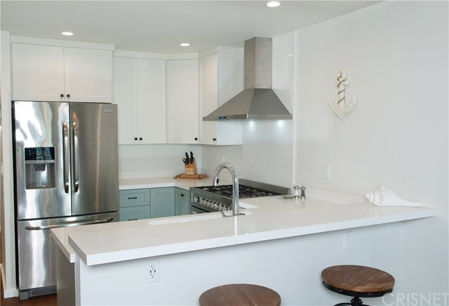 22 E Navy St, Santa Monica, CA 90291 Photo 8