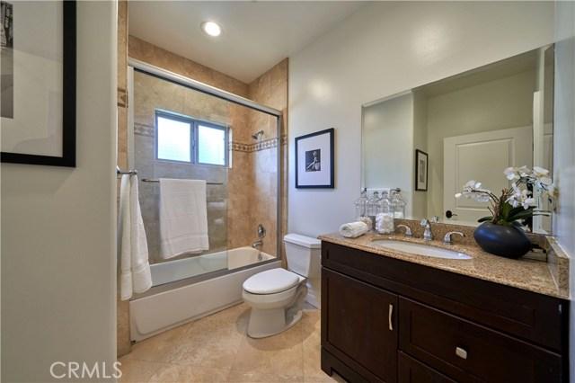 22137 Avenue San Luis, Woodland Hills CA: http://media.crmls.org/mediascn/5b129ab7-c548-4714-8d87-26750d3ebd9d.jpg