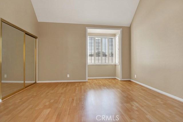240 S Mentor Avenue, Pasadena CA: http://media.crmls.org/mediascn/5b1ad500-bbdb-409f-a030-acdad0e9d23e.jpg