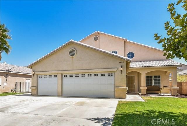 44142 Westridge Drive, Lancaster CA: http://media.crmls.org/mediascn/5b1e15a2-9563-4979-975b-b029d2979995.jpg