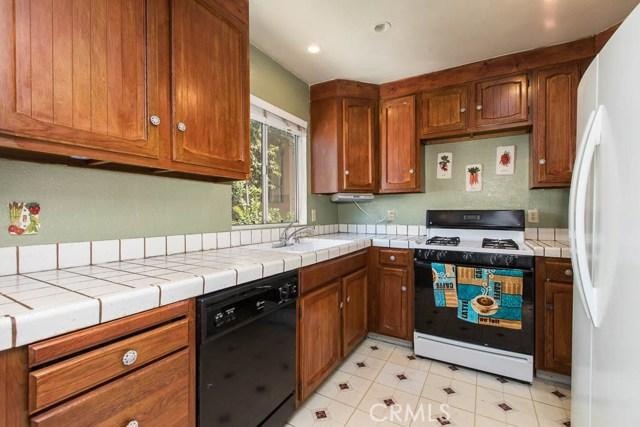 14018 Vanowen Street, Valley Glen CA: http://media.crmls.org/mediascn/5b3d326c-bb8a-43d7-ba31-47a6665620ea.jpg
