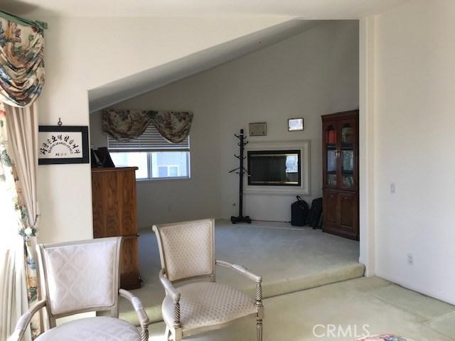 17806 Arvida Drive, Granada Hills CA: http://media.crmls.org/mediascn/5b686faa-3b4c-414b-9bb2-236a9978dbd8.jpg