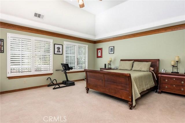 11900 Andasol Avenue, Granada Hills CA: http://media.crmls.org/mediascn/5b6b2b40-b3d9-479b-8f88-e58605deb10a.jpg