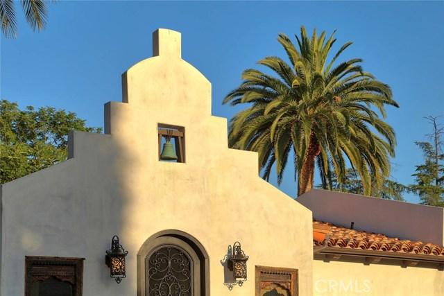 23404 Hatteras Street, Woodland Hills CA: http://media.crmls.org/mediascn/5b70b5d2-43d9-40d6-9ff9-6c71a054f149.jpg