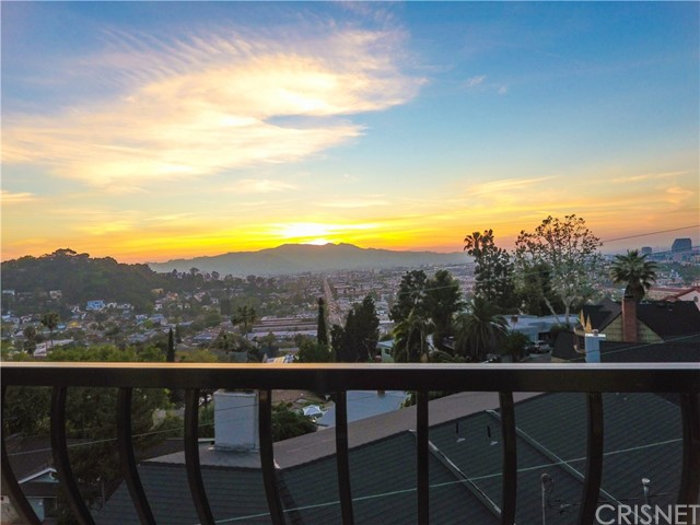 Single Family Home for Sale at 1241 Corona Drive Glendale, California 91205 United States