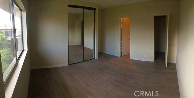 5403 Newcastle Avenue Unit 43 Encino, CA 91316 - MLS #: SR17244180