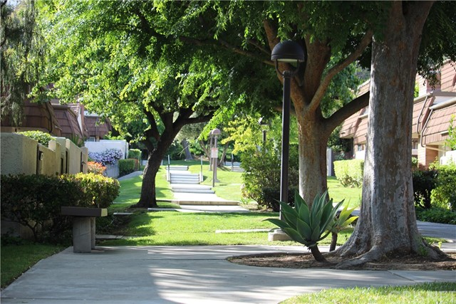 Townhouse for Rent at 10175 Larwin Avenue Chatsworth, California 91311 United States