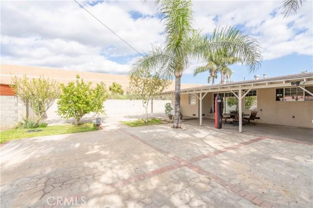 14707 Hagar Street, Mission Hills (San Fernando) CA: http://media.crmls.org/mediascn/5c08c082-909c-45df-be00-93149cbff9cd.jpg