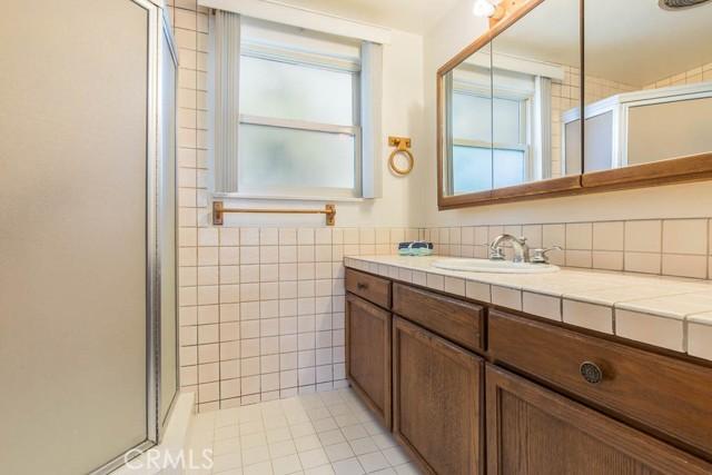 10920 Garden Grove Avenue, Northridge CA: http://media.crmls.org/mediascn/5c09a541-1d3d-4391-9a4b-0c9d69118df4.jpg