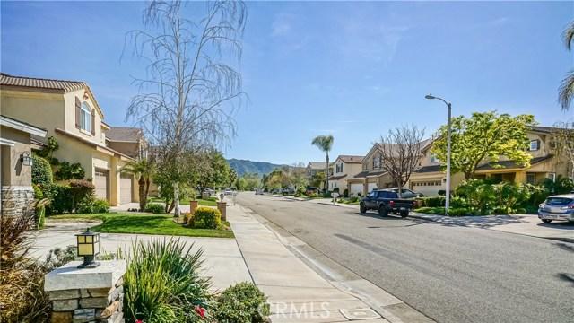 25938 Pope Place, Stevenson Ranch CA: http://media.crmls.org/mediascn/5c4dbfe8-f226-4c57-812e-74fc77853feb.jpg