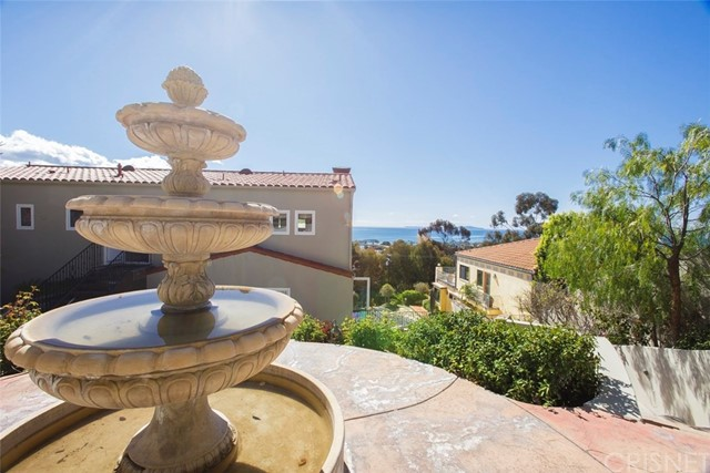 Additional photo for property listing at 611  Buena Vista Street 611  Buena Vista Street Ventura, California 93001 United States