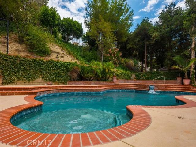 7600 Southby Drive, West Hills CA: http://media.crmls.org/mediascn/5c7cb3c1-b6b2-4f47-89d1-d7e646981ef4.jpg