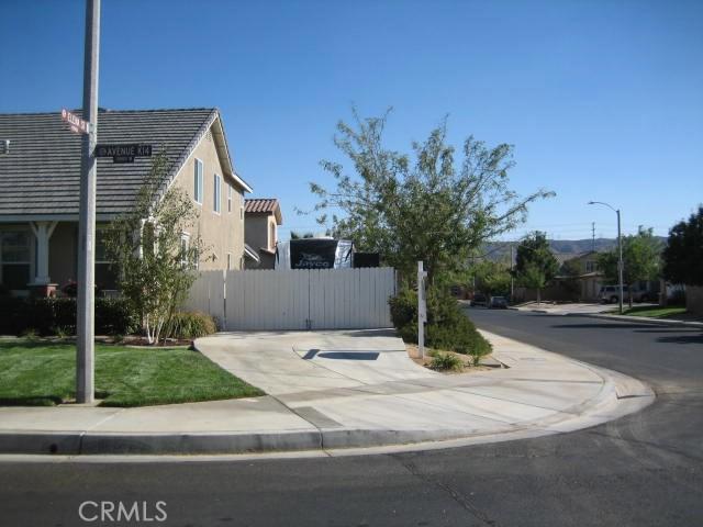 5800 W Avenue K14, Lancaster CA: http://media.crmls.org/mediascn/5ca45663-b94a-446d-9a05-0c0f110494b5.jpg