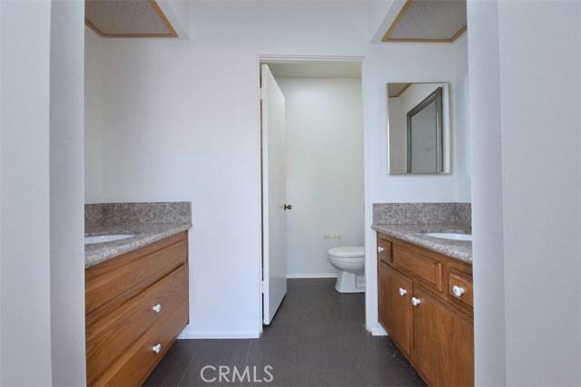 6221 1/2 Nita Avenue, Woodland Hills CA: http://media.crmls.org/mediascn/5cada44d-f402-447f-b033-8b6ab6fab3da.jpg